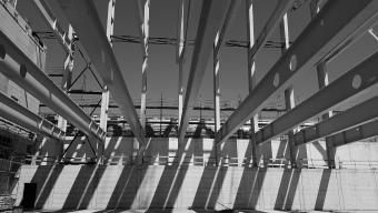 OYM Sportzentrum in Cham | Wir planen in Cham ein schweizweit einzigartiges Kompetenzzentrum für Spitzenathletik und Forschung. Der Komplex umfasst unter Anderem eine Eishalle, eine Dreifachturnhalle, vier Sprintstrecken mit einer Länge von 80 Metern, 3000 Quadratmeter Athletiktrainingsflächen, 25 Doppelzimmer.