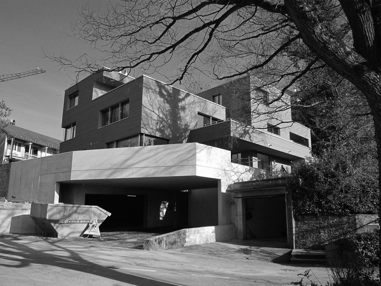 living with a castle view, Brunnmattstrassse, garage entrance
