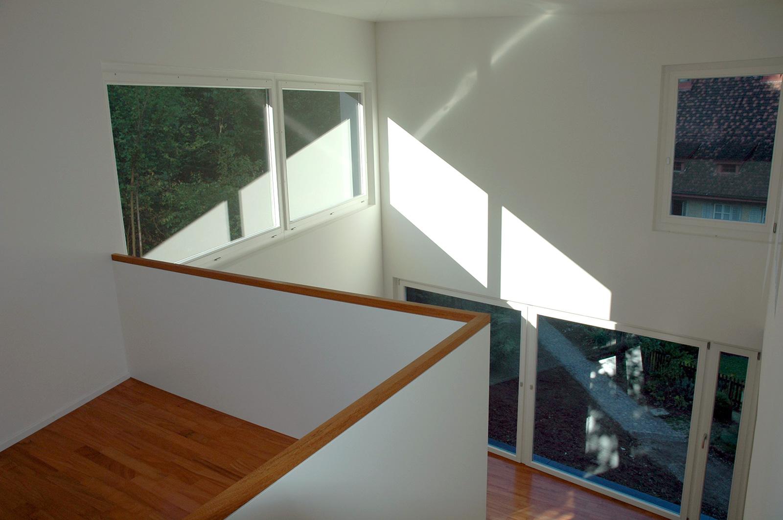 Passstück, Galerie/Blick ins Wohnzimmer