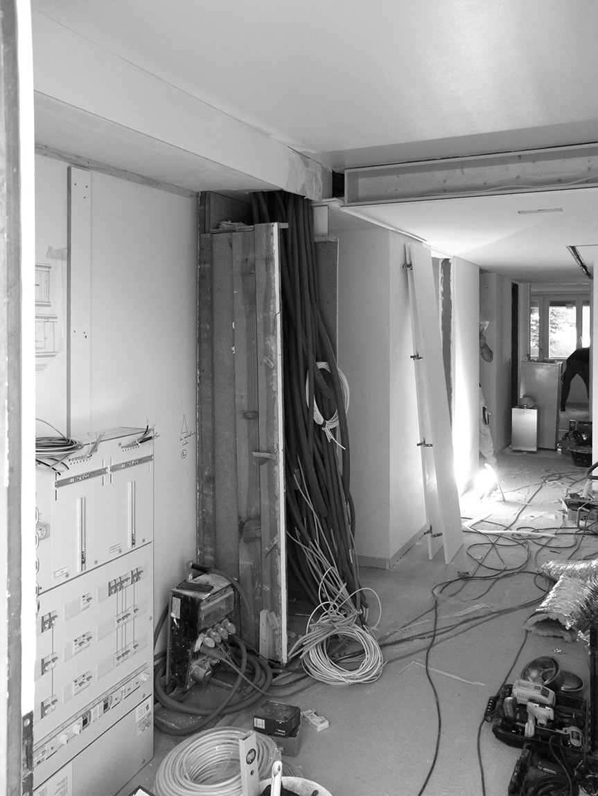 post–stucky, Haustechnik in der Decke